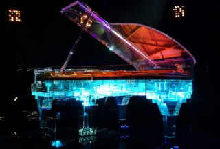 Crystal Music Company, Transparent Piano First Edition (Picture by Crystal Music Company)