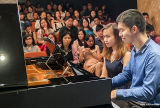 Pianovers Recital 2017, Mark Sim, and Wynn performing