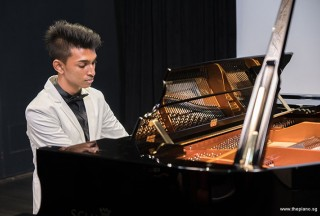 Pianovers Recital 2017, Joshua Peter performing