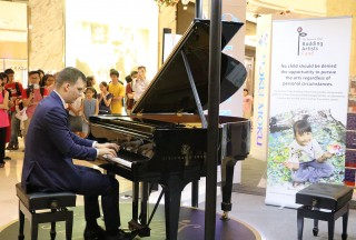 "Well–known Steinway Artist Ádám György was guest performer with three pieces, his own composition ""One Night in New York"", his own improvisation on a theme by Kodaly and Franz Liszt's 'Rigoletto' Paraphrase - Picture by Steinway Gallery Singapore"