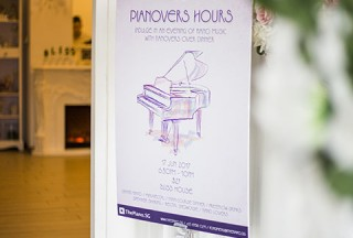 Pianovers Hours, Poster at the entrance of the House