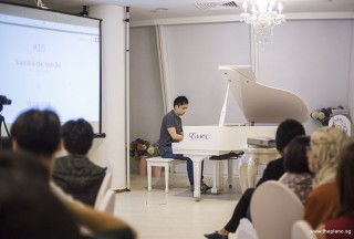 Pianovers Hours, Wenqing performing #2