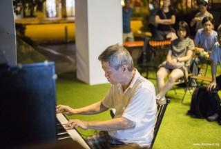 Pianovers Meetup #48, Albert performing