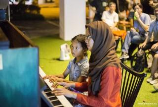Pianovers Meetup #48, Mentari and Desiree performing