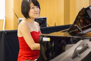 Pianovers Meetup #49 (Suntec), Julia performing