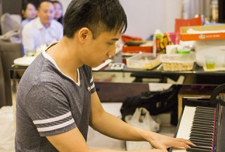 Pianovers Meetup #51 (Mooncake Themed), Wenqing performing