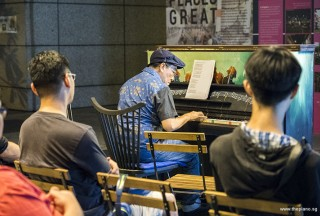 Pianovers Meetup #53, Chris performing