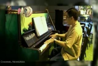 Media, Channel NewsAsia, 12 Sep 2016, 10pm News, Chris Khoo performing