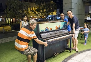 Pianovers Meetup #55, Albert, William, and Teik Lee helping to move the piano