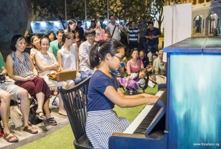 Pianovers Meetup #57, Erika performing