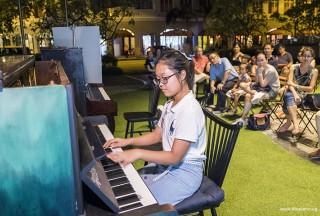 Pianovers Meetup #58, Erika performing