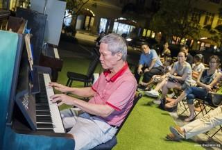 Pianovers Meetup #58, Albert performing