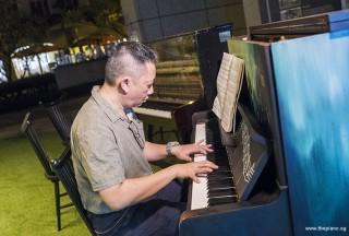 Pianovers Meetup #60, Gavin performing