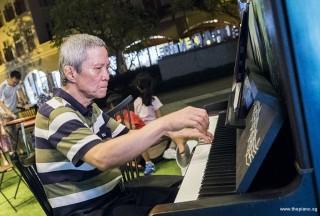 Pianovers Meetup #61, Albert performing