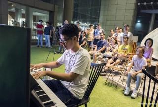 Pianovers Meetup #61, Yuchen performing
