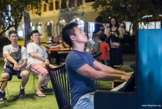Pianovers Meetup #61, Edward performing
