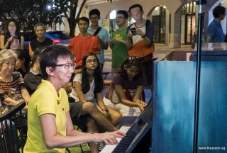 Pianovers Meetup #63, Siew Tin performing for us
