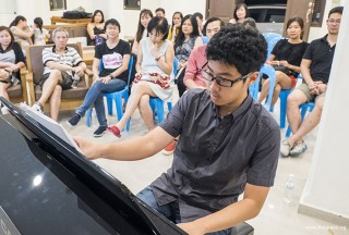 Pianovers Meetup #64, Yuchen performing