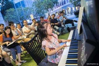 Pianovers Meetup #67, Gwen performing