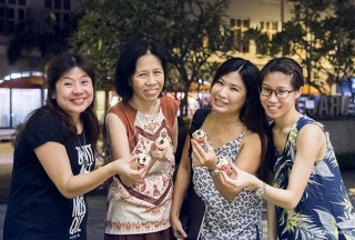 Pianovers Meetup #67, Jia Hui, May Ling, Karen, and Janice with piano themed cupcakes