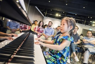 Pianovers Meetup #70, Gwen performing