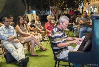 Pianovers Meetup #71, Albert performing