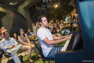 Pianovers Meetup #71, Jesse performing