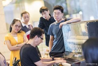 Pianovers Meetup #72, David playing