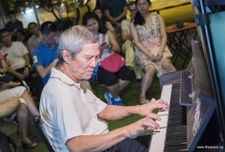Pianovers Meetup #75, Albert performing