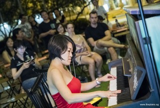 Pianovers Meetup #77, Julia performing