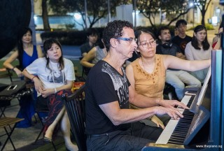 Pianovers Meetup #78, David performing