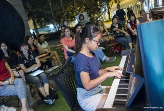 Pianovers Meetup #79, Erika performing for us