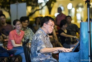 Pianovers Meetup #79, Chris Khoo performing