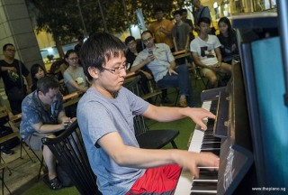 Pianovers Meetup #80, Hiro performing