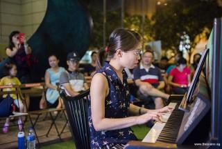 Pianovers Meetup #81, Janice performing
