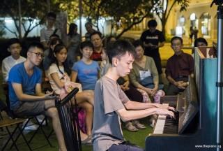 Pianovers Meetup #83, Yan Heng performing