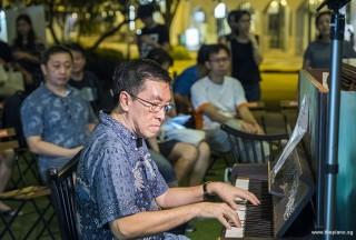 Pianovers Meetup #84, Chris Khoo performing