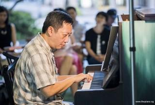 Pianovers Meetup #85, Gavin performing