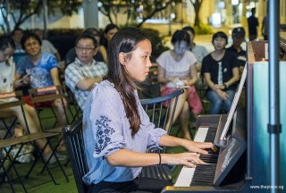 Pianovers Meetup #85, Linnette performing