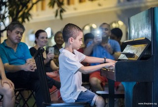 Pianovers Meetup #86, Efe Yildirim performing for us