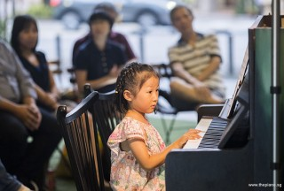 Pianovers Meetup #87, Gwen performing