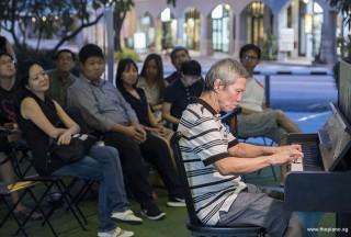 Pianovers Meetup #87, Albert performing