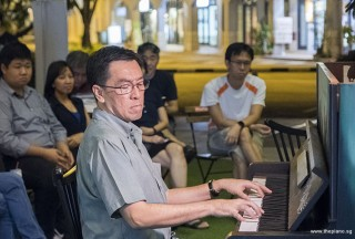 Pianovers Meetup #87, Chris Khoo performing
