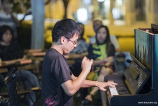 Pianovers Meetup #90, Hiro performing
