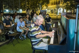 Pianovers Meetup #91, Albert performing