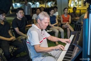 Pianovers Meetup #92, Albert performing