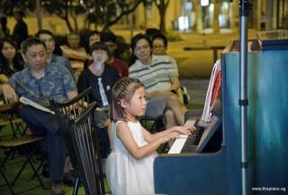 Pianovers Meetup #96, Gwen performing