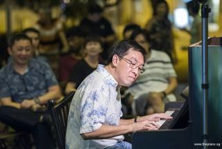 Pianovers Meetup #96, Chris Khoo performing