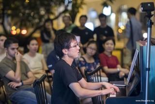 Pianovers Meetup #97, Hiro performing