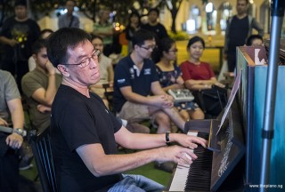 Pianovers Meetup #97, Chris Khoo performing